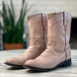💕PEARL PINK JUSTIN COWGIRL BOOTS